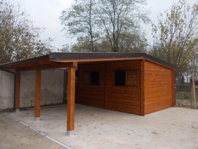 Garage in legno e car port for Garage per due auto e mezzo
