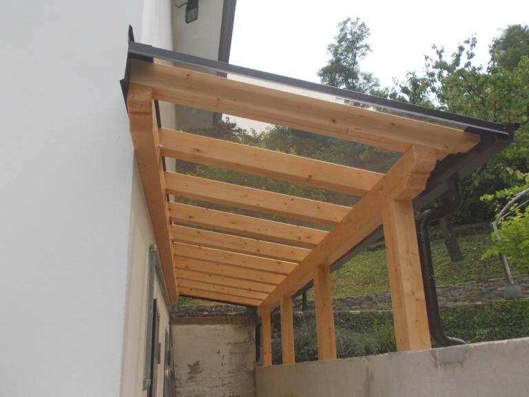 portico in legno lamellare
