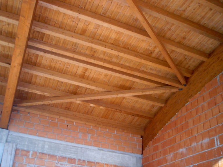 tetto curvo in legno lamellare