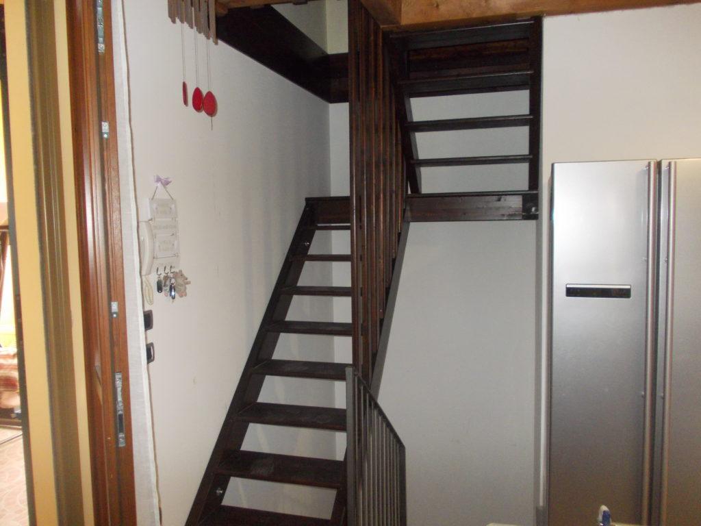 scala in legno lamellare